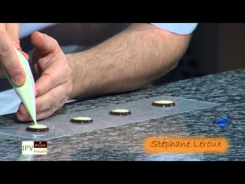 Demonstratie decoratietechnieken chocolade door Stéphane Leroux (deel 5/14)