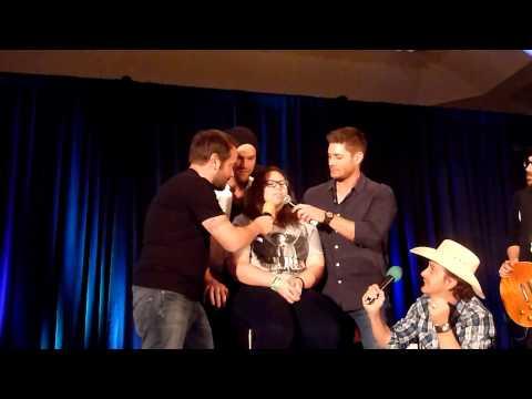 Jensen Ackles singing & Jared Padalecki has killer cowbells skills DallasCon 2014