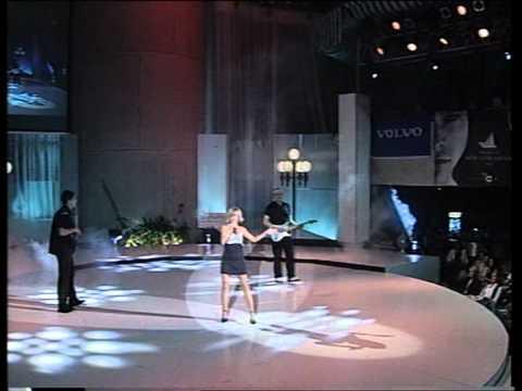 Maja Suput - Zapela mi haljina @ Miss BiH 2002