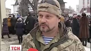 На Київщині поховали 25-річного «кіборга» Ігоря Зінича - : 3:06 - (видео)