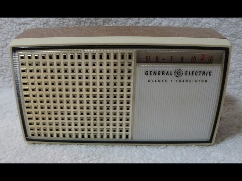 1960 General Electric model P816A transistor radio (made in USA)