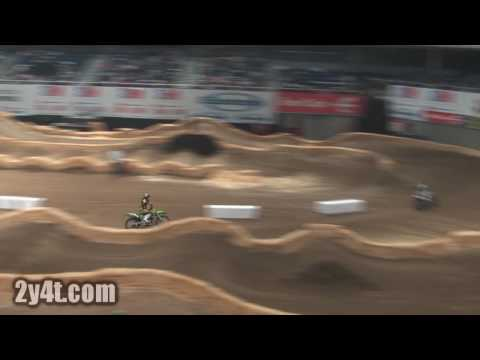Supercross Madrid 2009 - Face to Face - Joan Cros vs Josh Hill Video