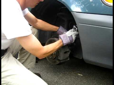 Change the front brakes on a 2001 Toyota Sienna - Installation