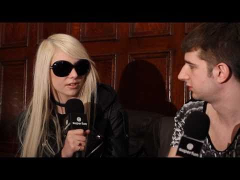 Taylor Momsen Talks Pretty Reckless and Famous Flash Incident Music Videos