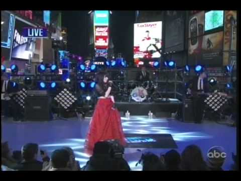 Carly Rae Jepsen Call Me Maybe This Kiss Live video