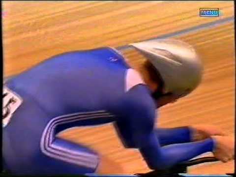 Bradley Wiggins wins the Men's Individual Pursuit at 2004 Athens Olympic Games
