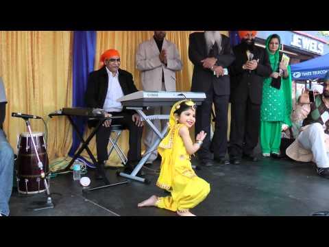 Mahi Singh Arora - Punjabiyaan Di Balle - Mere Charkhe Di - Vancouver Baisakhi (Vaisakhi) Mela 2011