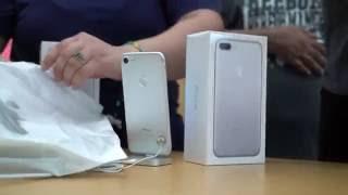 فتح صندوق للهاتف المحمول iPhone 7 و iPhone 7 Plus