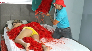 HOT CHEETOS AND TAKIS PRANK ON GIRLFRIEND!! BOYFRIEND REVENGE PRANK!!