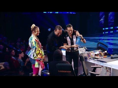 Ştefan Bănică, cadouri pentru juraţii X Factor