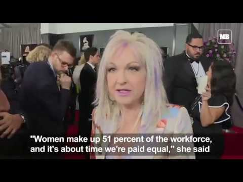 Grammys red carpet - white roses for equality
