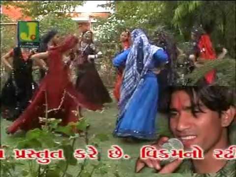 Vikram No Radhiyalo Dhol - Track 2 ( Vikram Thakor - Gujarati Song Garba Non Stop Live Raas ) video