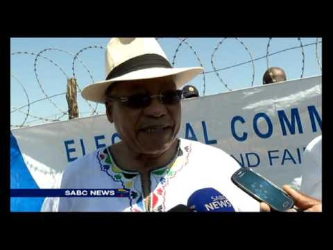 President Zuma verifies his name on the voters' roll