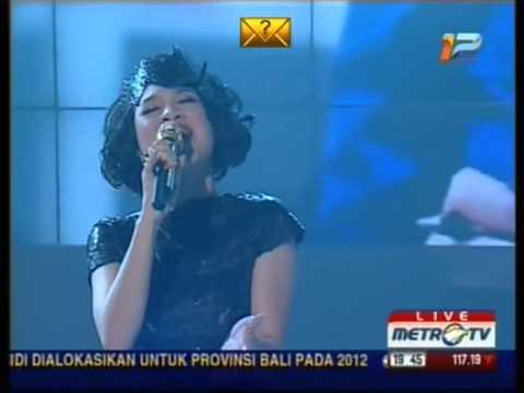 Andien - Gemilang (Andy Ayunir Version) @ HUT Metro TV 25 November 2012