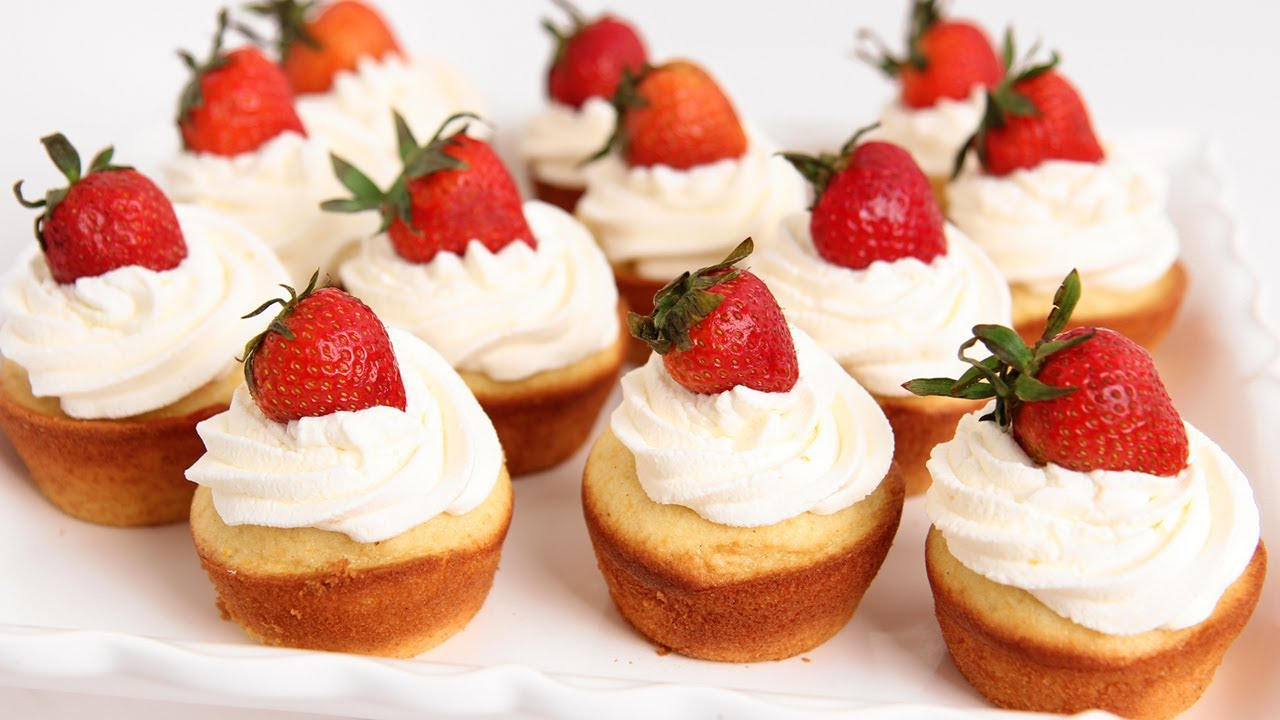 Strawberries And Cream Cupcakes Strawberry Shortcake Cupcakes