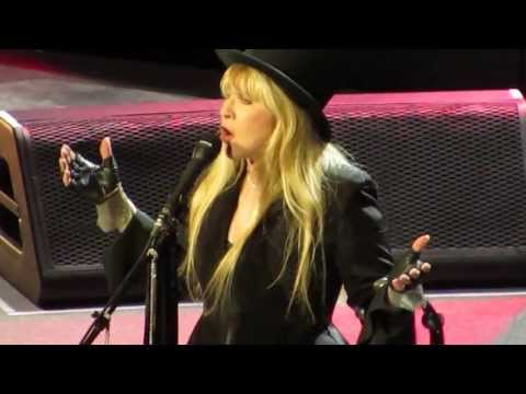 Fleetwood Mac - Go Your Own Way (Live in Boston 2013)