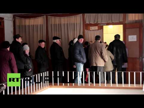 Ukraine: Voters pour into polling stations for Donbass elections