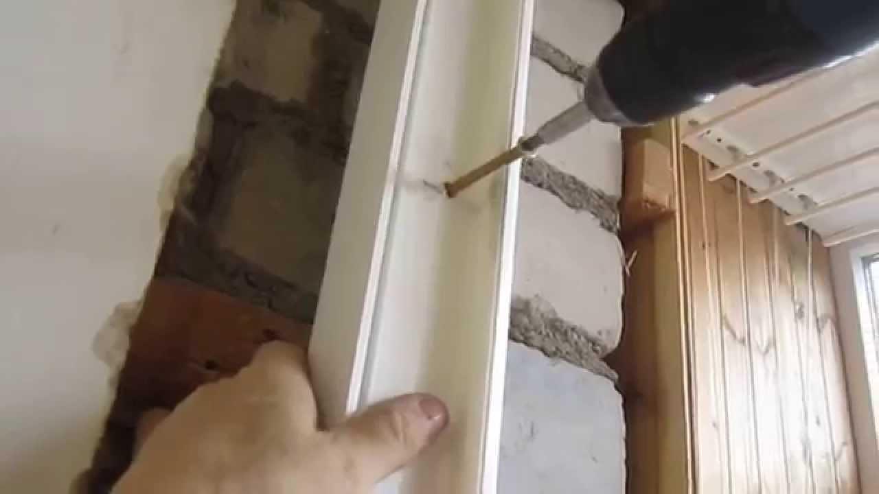 Установить самостоятельно пластиковую балконную дверь..