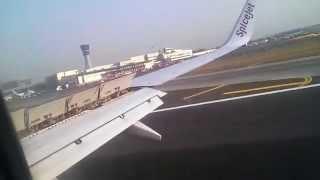Flight landing in Chhatrapati Shivaji International Airport -Mumbai (spicejet)