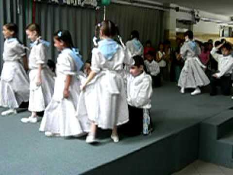 Bailando el Pericon, Escuela Armenio-Argentina, 2006