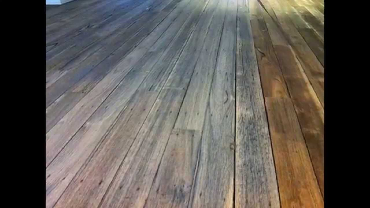 foto How to Remove Paint on Hardwood Floors