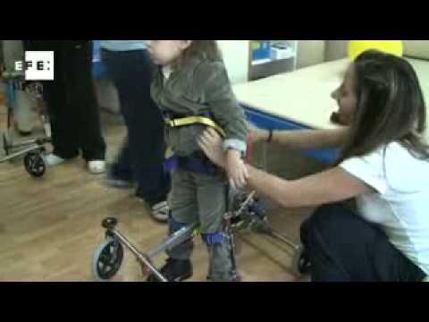 Un novedoso andador para ni os con movilidad reducida - Baneras con cambiador para bebes ...