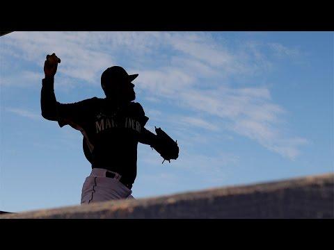 Felix Hernandez throws first spring bullpen session, 2/26/2015