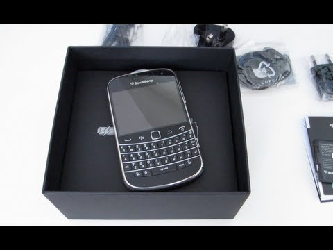 Blackberry Bold 9900 Dakota Mobile Phone Unboxing