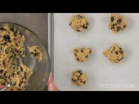 Homemade Cookies - How to Make the Perfect Chocolate Chip Cookies