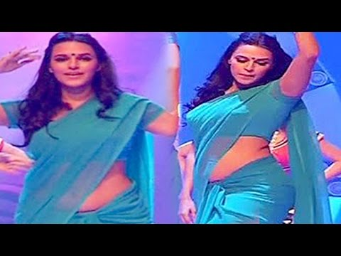 Neha Dhupia Hot Low Waist Revealed In Saree video