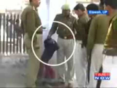 Hindustan- Indian Police Officer Beats little Girl