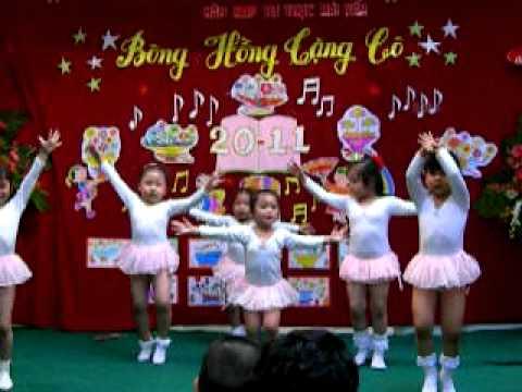Tiết mục múa mừng thầy cô ngày 20 tháng 11
