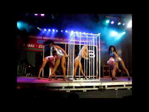 Andreea Balan Concert Onesti 2.05.12 (poze+Bunny+Money Love)
