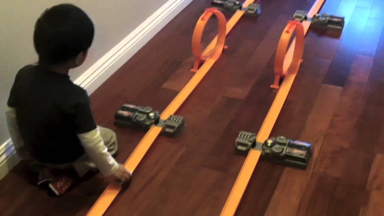 hot wheels toys r us kidspicks track fun fast fish. Black Bedroom Furniture Sets. Home Design Ideas