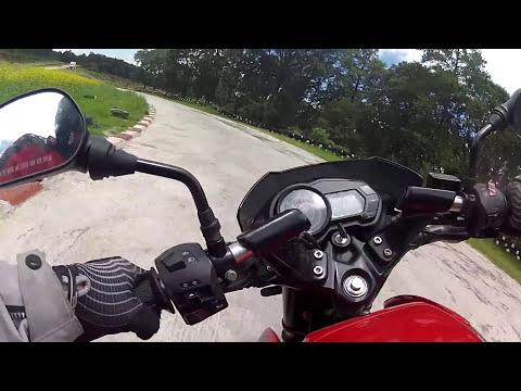 Bajaj Pulsar 135 en pista - TrackDay autódromo Bosques del Ángel