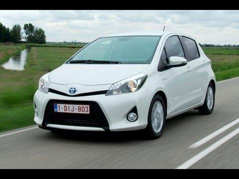 Toyota Yaris Hybrid roadtest (English Subtitled)