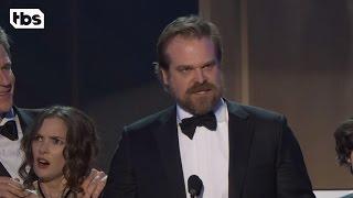 Download Lagu Stranger Things Cast: Acceptance Speech | 23rd Annual SAG Awards | TBS Gratis STAFABAND