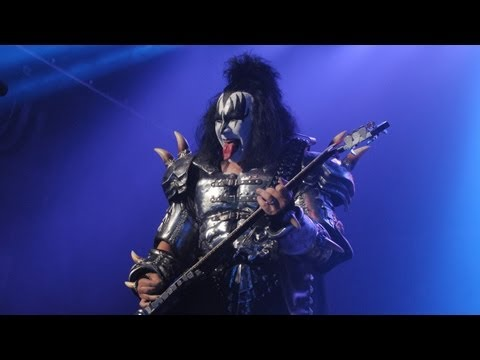 Gene Simmons: Stan Lee Wannabe? - POWER PLAYERS