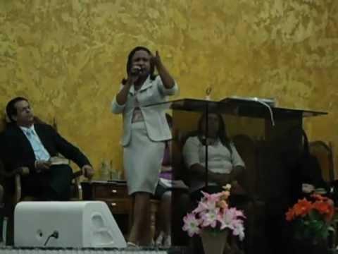 Miss.Rose Cantora Estela Aguiar e a Filha Quezia Silva na Ass.De Deus JD.Brasilândia