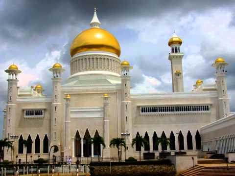 Sultan Omar Ali Saifuddin Mosque - Bandar Seri Begawan, Brunei