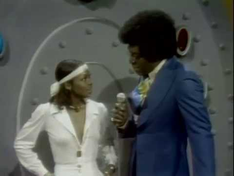 Lola Falana [+Interview] & The Soul Train Dancers (Kool & The Gang - Funky Stuff) 1973