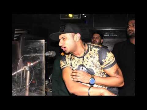 Chut - Choot Na Mile - Yo Yo Honey Singh (funny Spoof Parody Song 2014) video