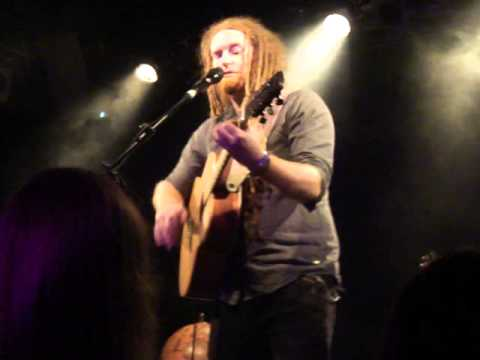 Newton Faulkner - Clouds | live 27.04.2013 Berlin