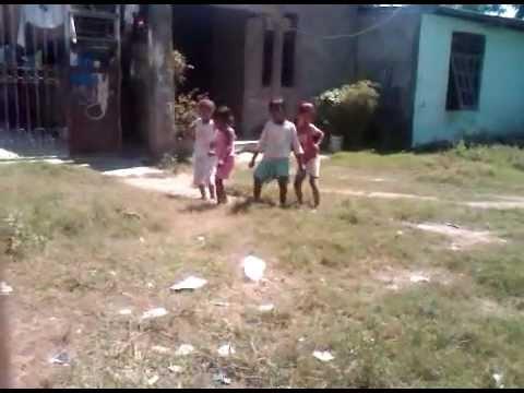 Kuduro Criancas em  Timor-Leste