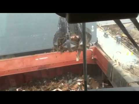 Ship crane operating