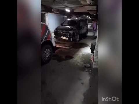 ДТП в паркинге. Эвакуатор в Екатеринбурге. Паркинг. Спасмастер