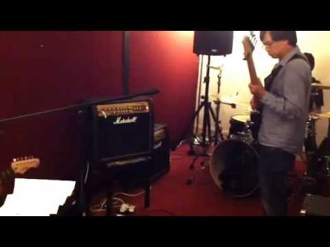 TRISIKOOL - Crosstown Traffic by Jimi Hendrix (cover) out of the planet lyrics