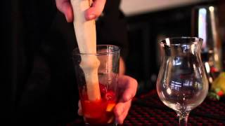 How to Make a Strawberry Lemonade Vodka Drink : Party Drinks