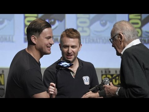 Comic-Con 2015: X-Men, Fantastic Four and Deadpool Cast Takes Group Photo