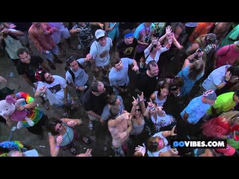 """The Black Crowes performs """"Hard To Handle"""" at Gathering of the Vibes Music Festival 2013"""